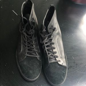 UAS High Top Sneaker